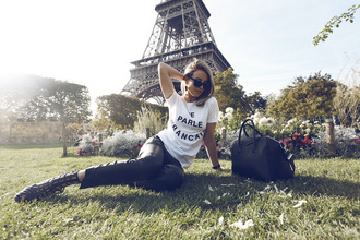 oracle fox blogger sunglasses white t-shirt quote on it graphic tee gladiators leather bag givenchy t-shirt pants bag shoes jewels