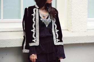 kelpas diary blogger silver necklace statement necklace embellished black jacket embellished jacket