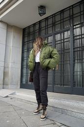 jacket,tumblr,bomber jacket,green jacket,puffer jacket,pants,black pants,sweatpants,boots