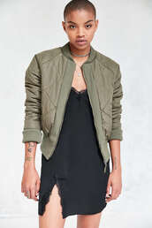 jacket,bomber jacket,olive green,quilted
