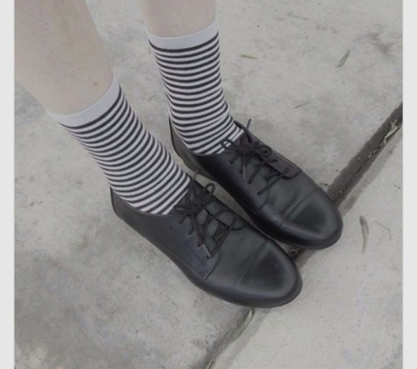 socks blac white stripes