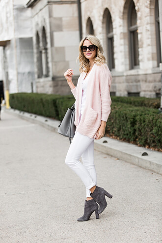 ivory lane blogger sunglasses pink sweater white pants grey boots