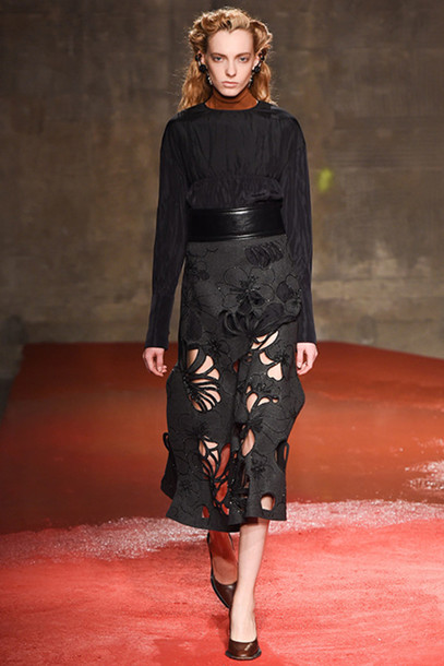 chaloth blogger fashion week 2015 medium-size belt crochet all black everything waist belt belt bag jewels