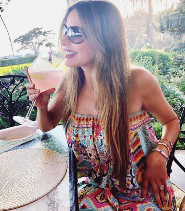 jumpsuit sofia vergara sunglasses celebrity celebrity style summer summer outfits wide leg printed jumpsuit