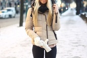 coat,beige,beige coat,jacket,winter jacket,winter outfits,fall outfits,girly,tumblr,swag,yolo,winter sweater,furry coat,fur,snow,blonde hair,buttons,zip,black,gold,gloves,hoodie,down jacket,down coat imitation leather reptile,cozy,beige jacket,puffa coat,scarf,puffa,khaki,orange