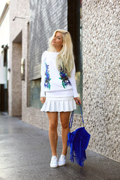 evelinas fashion cafe,skirt,shoes,jewels,sweater