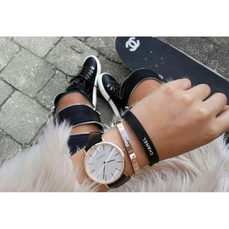 hair accessories bracelets chanel black acessory skater girly beautiful classy white