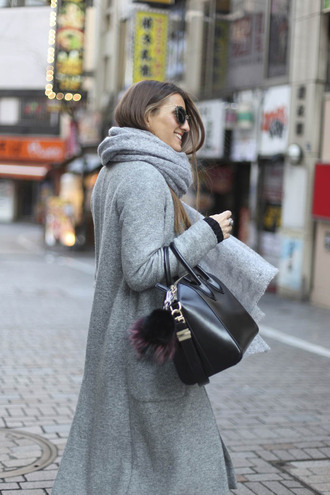 sunglasses blogger grey coat black bag grey scarf winter outfits