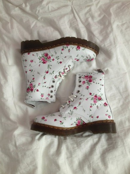 pretty shoes docs floral pale cute white pink flowers flower rose DrMartens