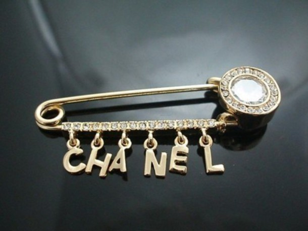 chanel pin. jewels chanel pin diamonds gold
