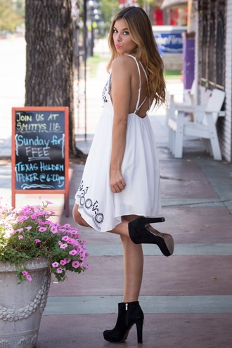 dress open back open back dresses white white dress outfit summer dress summer outfits spring spring outfits spring dress cute cute dress flowy girly bohemian festival lookbook style fashion indie indie boho v neck dress shoes