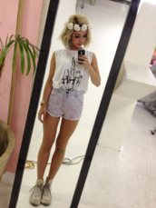 t-shirt,bones,pastel,studs,shorts,hipster,indie,grunge,city outfits,summer outfits