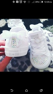 shoes,converse,white,baby shoes,bow,bling,rhinestone converse,baby converse,chucks converse,girl,baby,rhinestones,chucks low,girls chucks,customized,pink,plain white,kids sneakers,converse allstar,white nikes,white converse,kids shoes