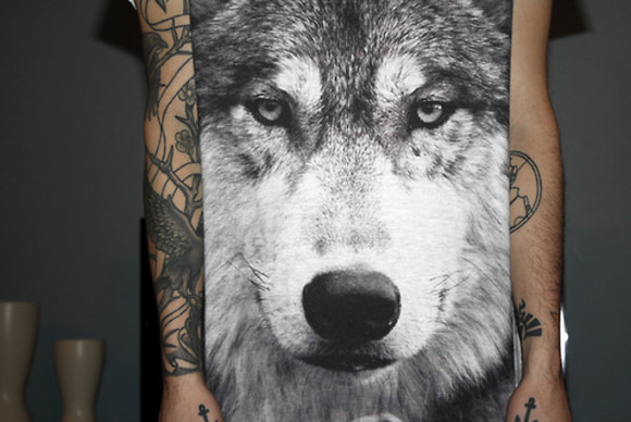 t-shirt dog black wolf tumblr eyes animal girls woof dark grey grr tshirt animal print shirt men clothing wolves tattoos hipster band t-shirt topshop goth hipster bag
