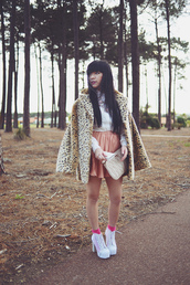pale division,coat,shirt,jewels,shoes,skirt,bag,leopard print,winter outfits,winter coat,fall outfits,fur leopard print winter coat,mini skirt,blush,white shirt,ankle boots,white boots