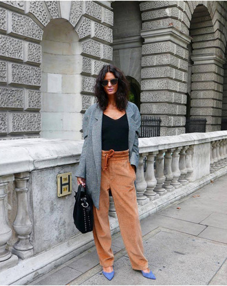 pants grey coat shoes tumblr nude pants top coat fall outfits bag black bag sunglasses