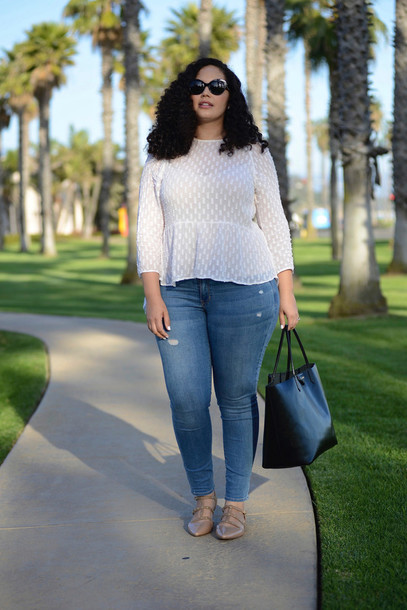 512c8207150 girl with curves blogger plus size jeans white blouse curvy top tank top  jeans bag sunglasses