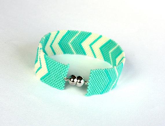Peyote Beadweaving Bracelet  Beadwork  Chevron by GULDENTAKI
