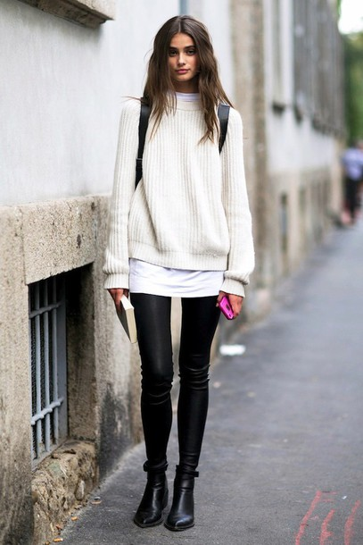 le fashion blogger leggings chelsea boots knitted sweater