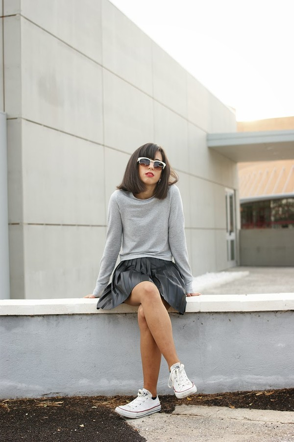 vintage shoes for her sunglasses jewels t-shirt skirt shoes
