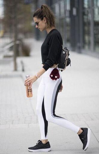 leggings sneakers sweatshirt sportswear alessandra ambrosio