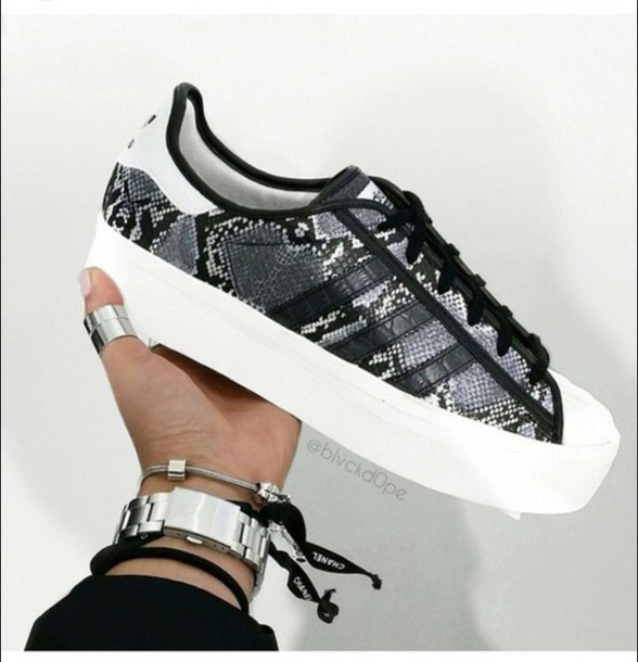 shoes, superstar, adidas superstars, adidas shoes, python print skirt, sneakers adidas superstar, black shoes - Wheretoget