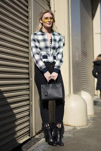 jacket nyfw 2017 fashion week 2017 fashion week streetstyle printed jacket denim jeans black jeans skinny jeans frayed jeans cropped jeans bag black bag boots black boots ankle boots sunglasses clear lens sunglasses yellow sunglasses