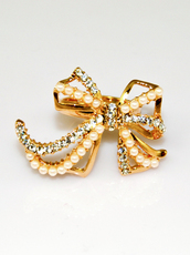 ring,bow,pearl,jewels