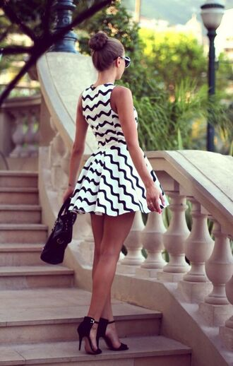 chevron stripes dress black and white skater dress blogger chevron dresses