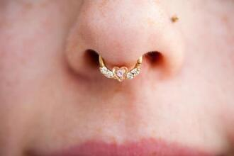 jewels septum piercing clothes fashion jewelry piercing nose ring gold jewelry heart pink heart heart jewelry body modification gold white diamonds body chain hoop