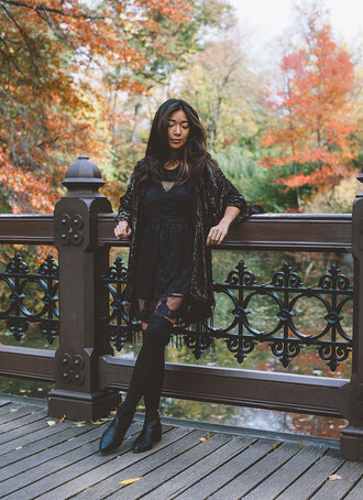 blogger honey n silk lace dress kimono