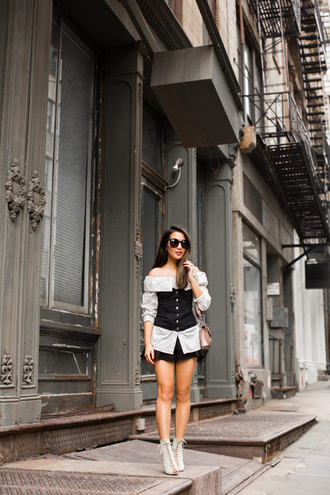 wendy's lookbook blogger top shirt shoes bag sunglasses jewels ankle boots white shirt shoulder bag