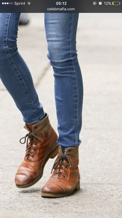 shoes,brown leather boots,amanda seyfried,lace-up shoes,camel