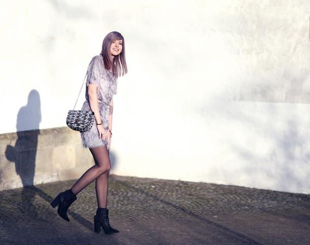 bekleidet blogger top skirt shoulder bag shoes bag jewels