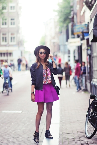 blogger jewels preppy fashionist hat bomber jacket ankle boots round sunglasses floral purple