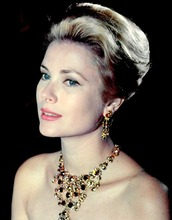 jewels,grace kelly,necklace,statement necklace,earrings,make-up,natural makeup look,hairstyles,retro