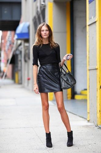 skirt leather skirt black leather skirt chic edgy black leather model