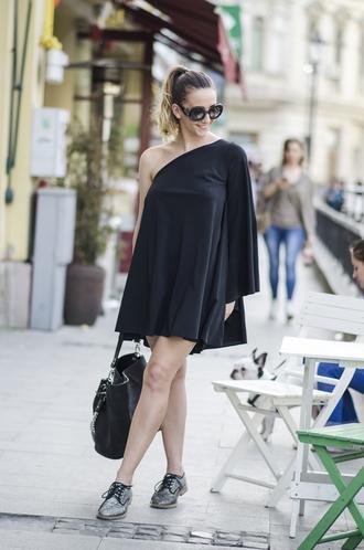 let's talk about fashion ! blogger sunglasses bag jewels one shoulder black dress mini dress grey sneakers sparkle