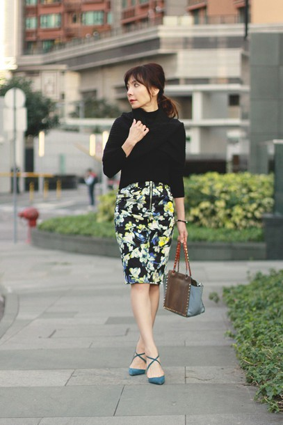 mochaccinoland blogger pencil skirt floral skirt