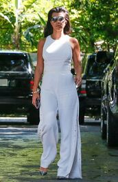 pants,wide-leg pants,top,kourtney kardashian,sunglasses,all white everything,white top,crop tops,kardashians,pumps,shoes,jumpsuit,white jumpsuit,white,keeping up with the kardashians,celebrity,celebrity style,celebstyle for less,classy,summer outfits,date outfit
