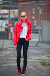 brooklyn blonde,shoes,jacket,jeans,t-shirt,sunglasses,jewels,puffer jacket,red jacket,shirt,white shirt,aviator sunglasses,skinny jeans,sneakers,red sneakers