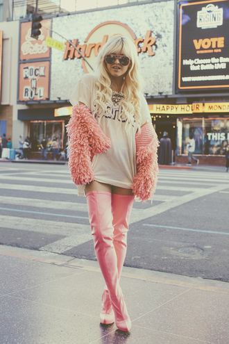 i hate blonde blogger t-shirt sunglasses fluffy thigh high boots barbie shirt shoes