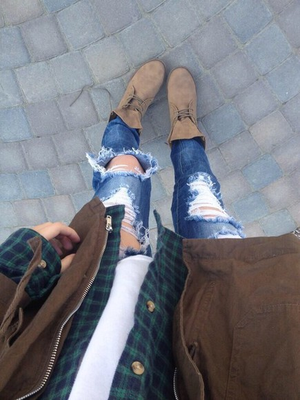 jeans brown jacket white tan boots green plaid shirt ripped jeans skinny jeans green plaid jacket pants shirt shoes coat shoes, flannel, acacia brinley, jacket, ripped jeans, acacia clark acacia brinley flannel love it tan lace up booties grunge indie