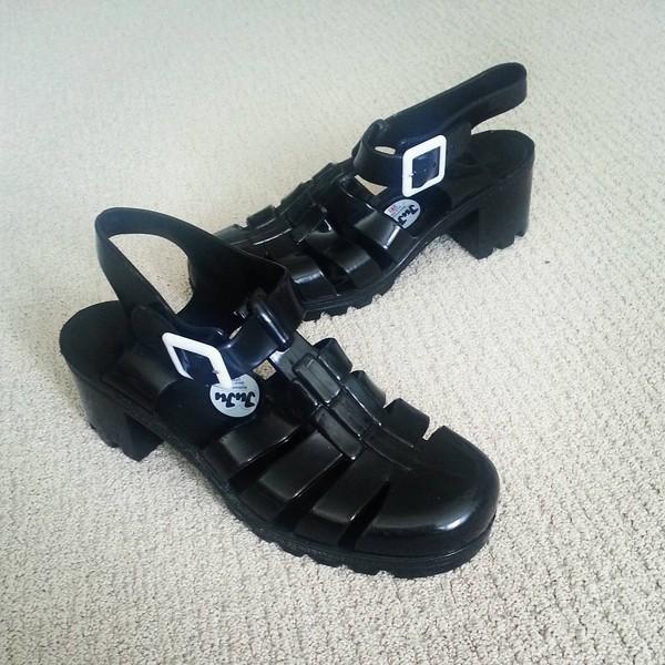 shoes american apparel sandals jellies juju