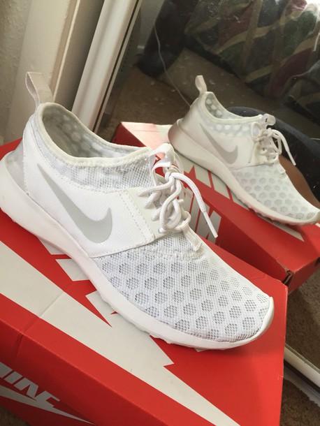 shoes white white shoes white nikes nike white roshes