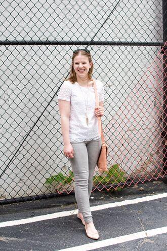 somethinggood blogger t-shirt bag pants jeans white top shoulder bag ballet flats grey jeans skinny jeans