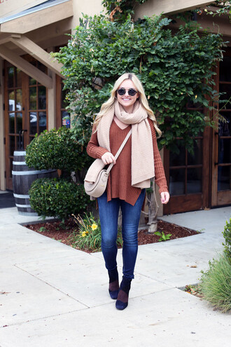 bows&sequins blogger sweater jeans shoes bag scarf sunglasses fall outfits crossbody bag nude bag