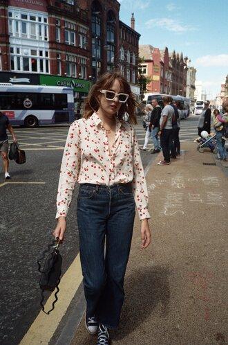 shirt tumblr white shirt denim jeans blue jeans sneakers bag converse black converse sunglasses shoes
