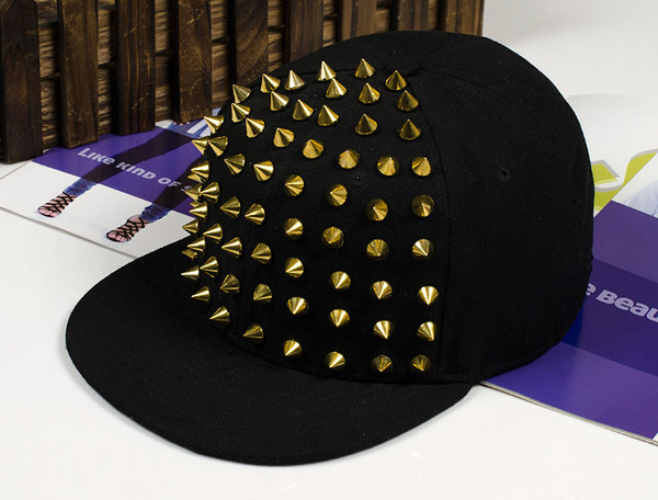 hat spikes gold black snapback
