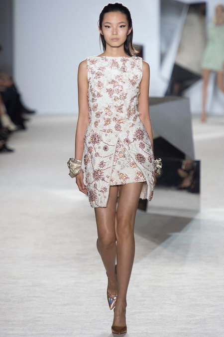 Hot! or Hmm... Blake Lively's Le Grand Journal Giambattista Valli Spring 2014 Couture White and Pink Crystal Embroidered Mini Dress - The Fashion Bomb Blog : Celebrity Fashion, Fashion News, What To Wear, Runway Show Reviews